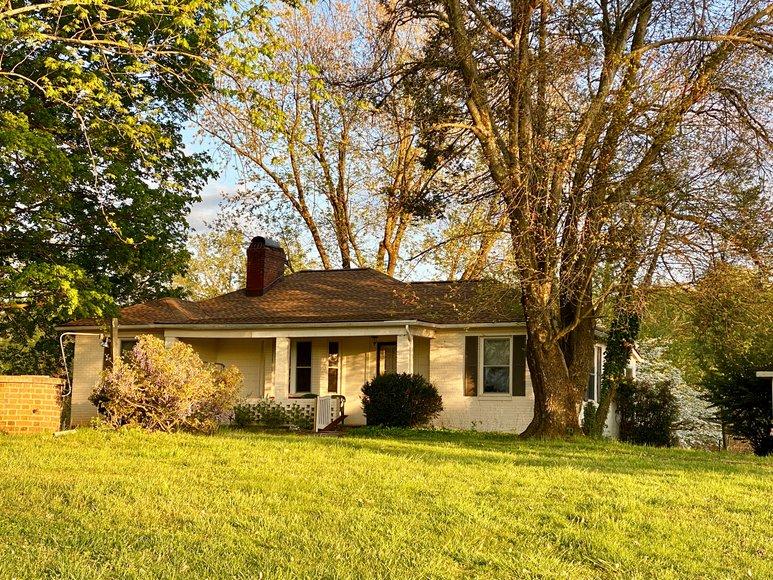 3 BR/2 BA Home & Garage Apartment on 2+ Acres in Orange Couny, VA--ONLINE ONLY BIDDING