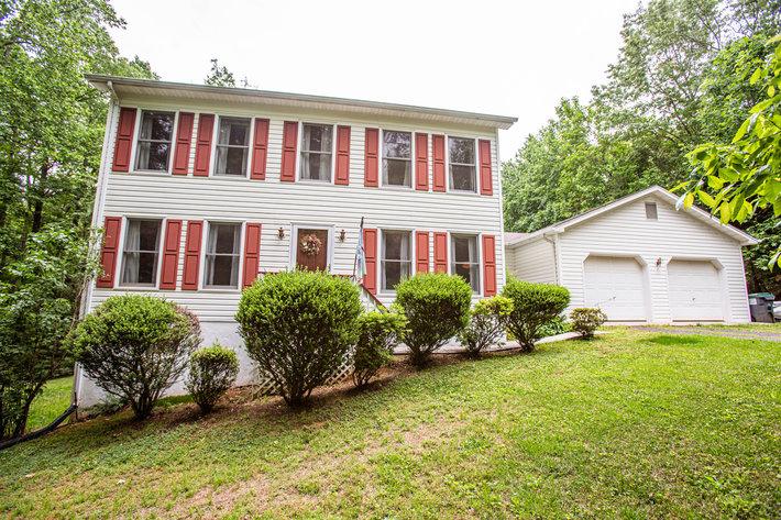 3 BR/2.5 BA Home on 1.3 +/- Acre Lot in Merrimac South Development--Culpeper County, VA