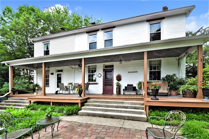 586 Laudermilch Road - Hershey, PA