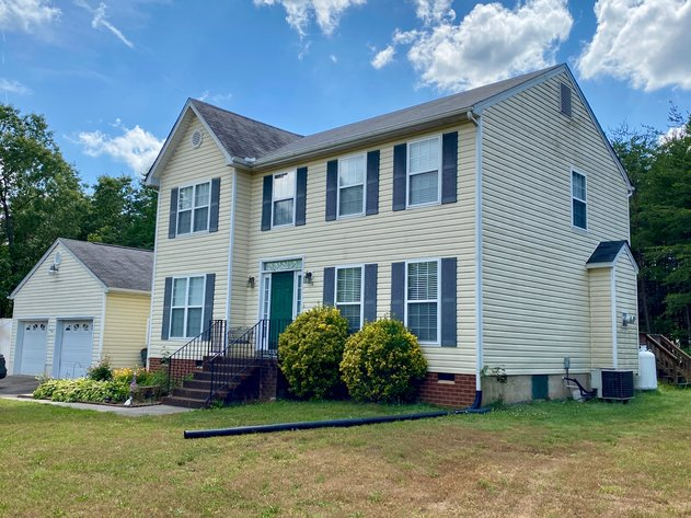 3 BR/2.5 BA Home on 4.5 +/- Acres in Fluvanna County, VA--Minutes from Zion Crossroads & I-64