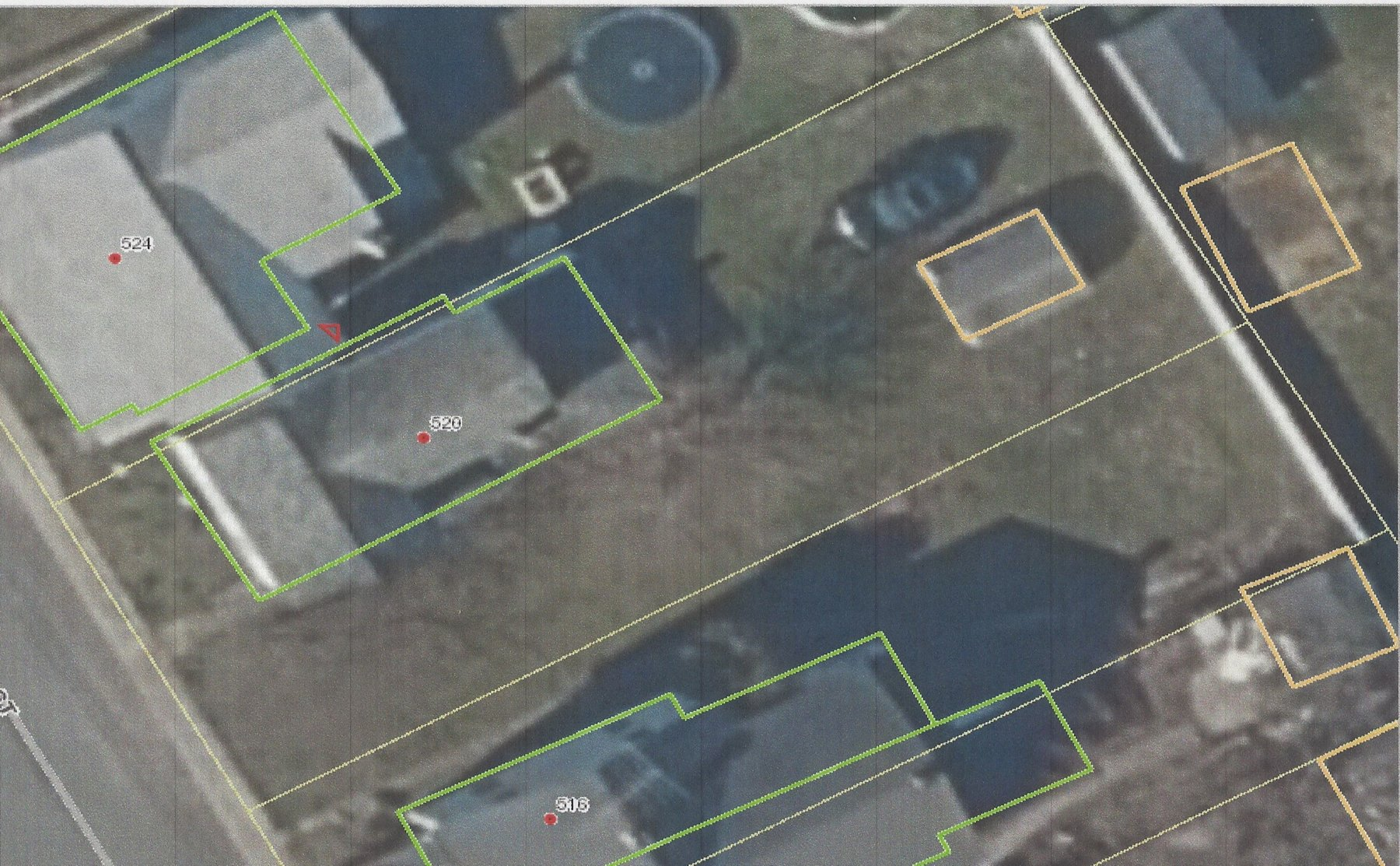 +/- .092 ACRE LOT W/ EXISTING STRUCTURE. NEEDS COMPLETE RENO OR TEAR DOWN