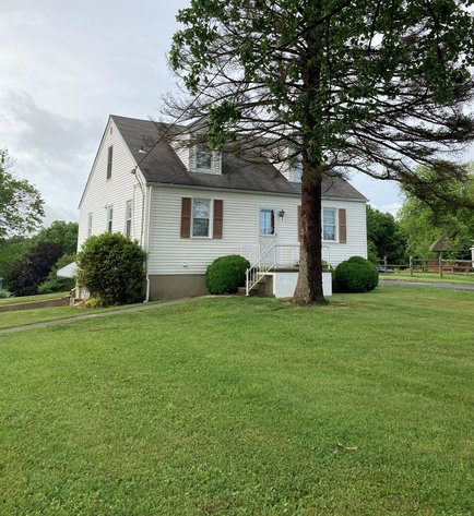 4 BEDROOM HOME ON A 0.623+/- ACRE LOT, KINGSVILLE