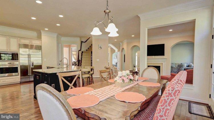 Vienna Maymont Mansion, Online Auction