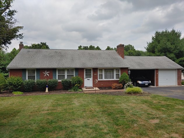 3 BR, 1 FULL 2 HALF BA BRICK HOME W/ ATTACHED GARAGE/CARPORT ON 0.54+/- ACRE LOT, ZONED RO