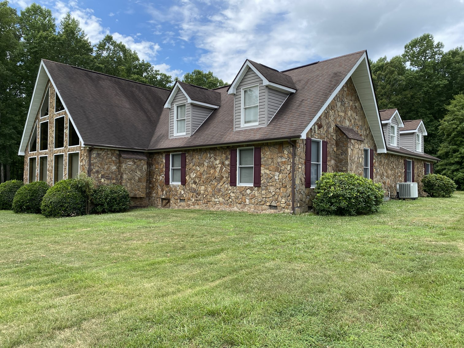 3 BR/5 BA Lake Anna Home on 1.4 +/- Acres w/40x60 Detached Building w/Office--Louisa County, VA