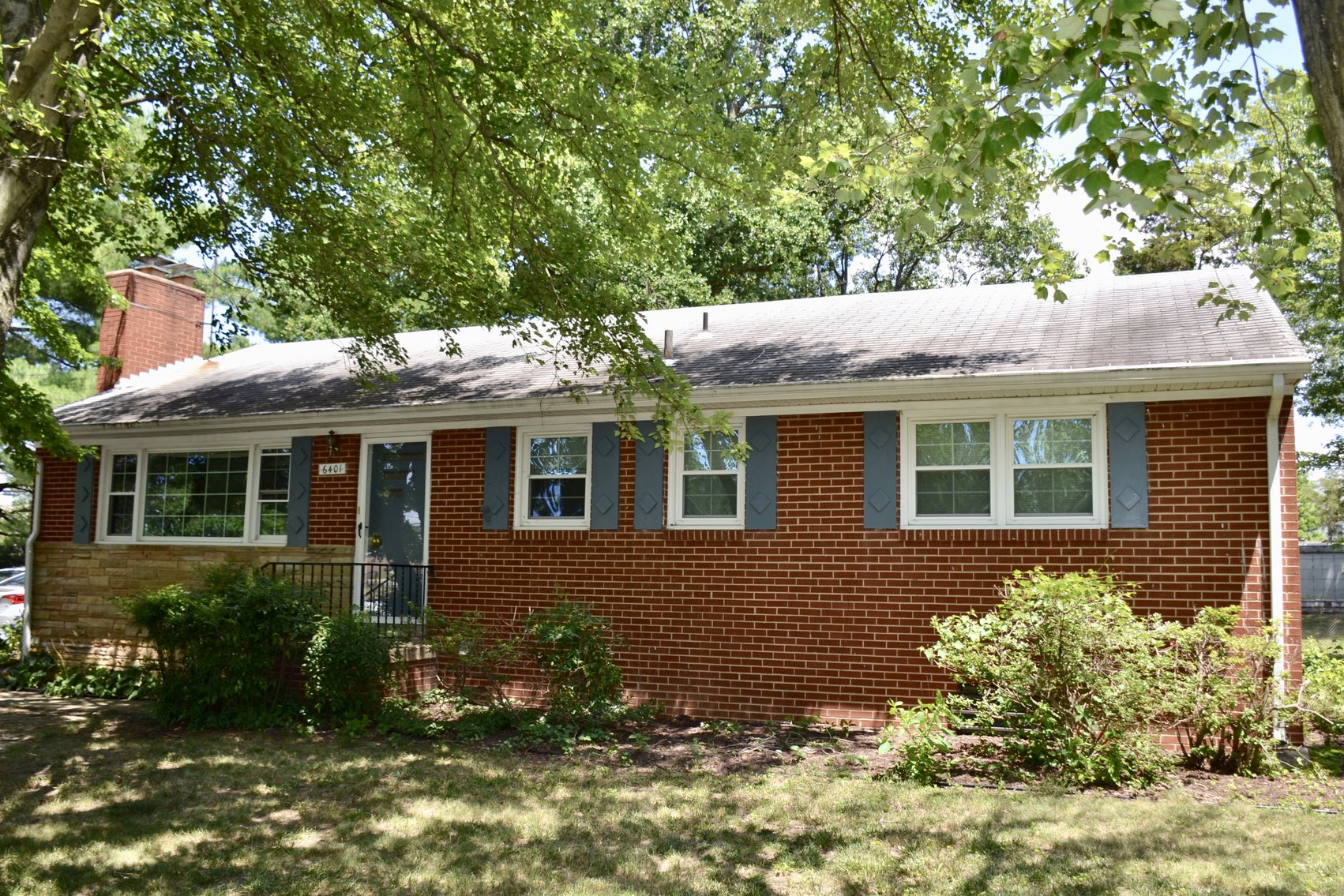 3 BR/3 BA Home w/Basement on Corner Lot in Fairfax County--1.8 Miles to Franconia/Springfield Metro Station