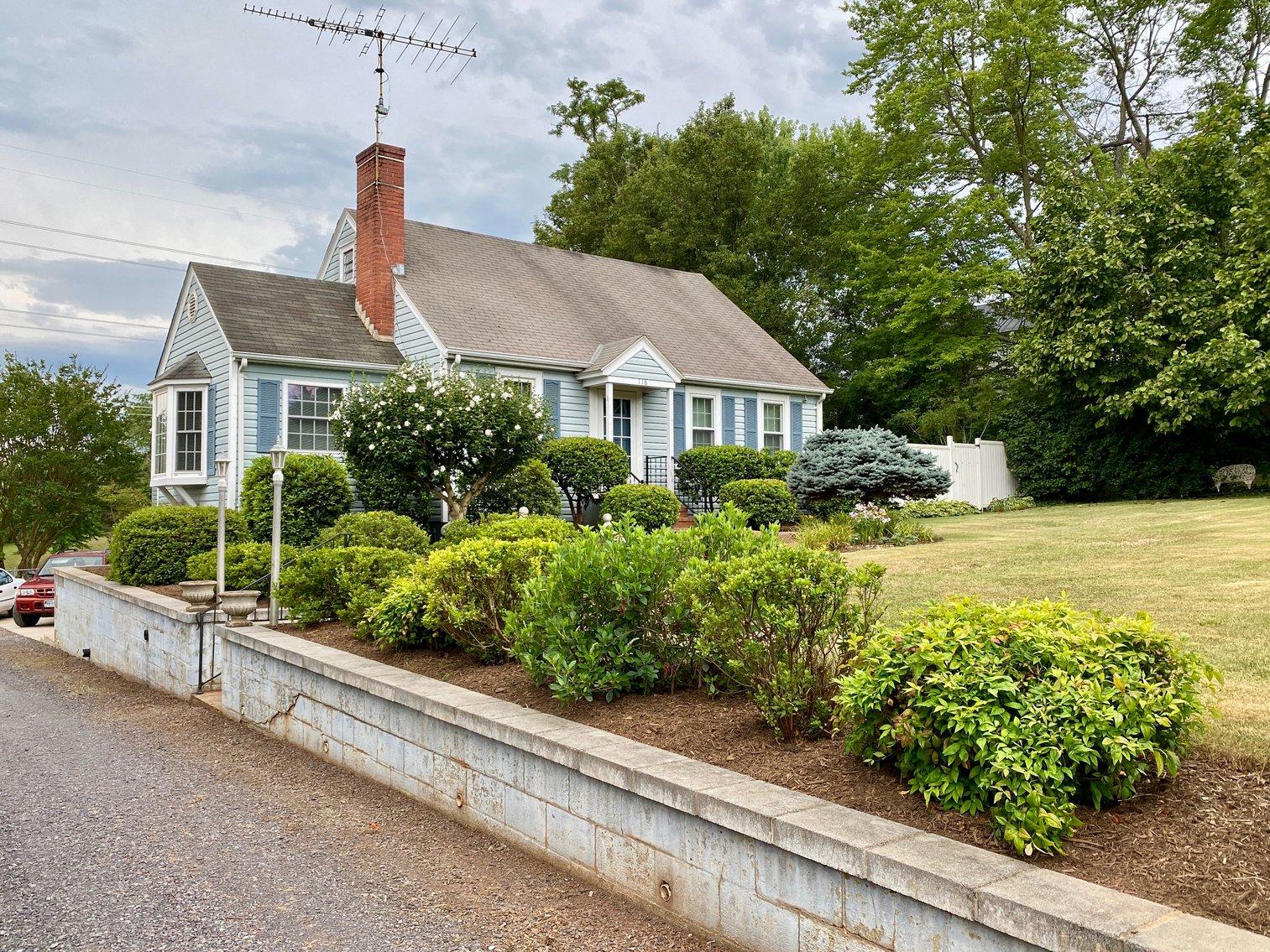 3 BR/2 BA Home w/Detached Shop/Garage on 1.8 +/- Acres in the Town of Orange, VA