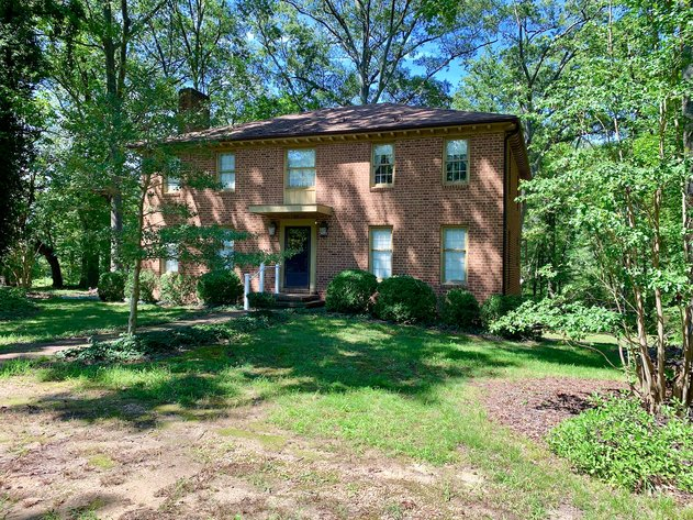 3 BR/2.5 BA Brick Home on 2.1 +/- Acres Only Minutes from NSWC Dahlgren-- SELLS to the HIGHEST BIDDER!!