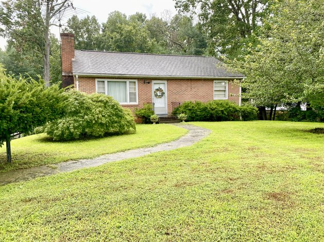 3 BR/2 BA Brick Home on 1.18 +/- Acres w/R6 Zoning Only 3.5 Miles From UVA--SELLING to the HIGHEST BIDDER!!