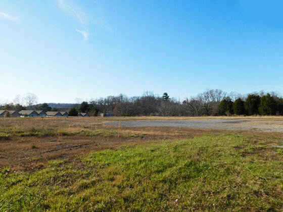 3570 HWY 394 BLUFF CITY, TN  37618   5 ACRES +/- 650 FT. ROAD FRONT