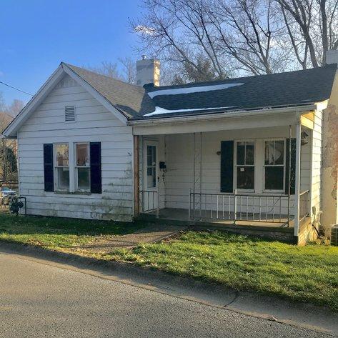 100 Talbot Saint Clairsville, OH 43950