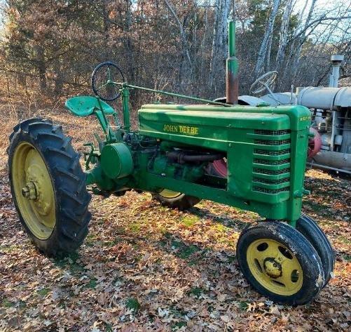 Ray & Barb Mudrick Estate: Tractors, Collector Vehicles, Tools & Parts