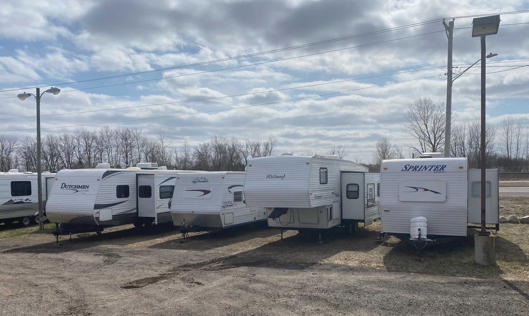 30 Units: (1) Motorhome, (11) 5th Wheels and (18) Travel Trailers