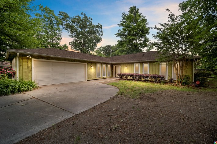 3 BR/2 BA Home in the Colonial Oaks Development Only 5 Miles from Oceanfront--Virginia Beach, VA
