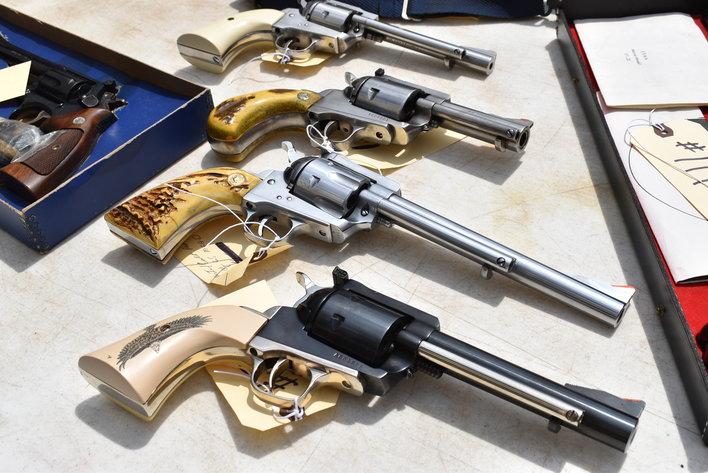 130+ GUNS, 160+ KNIVES, AMMO & RELOADING ONLINE AUCTION - JERRY STRADER ESTATE