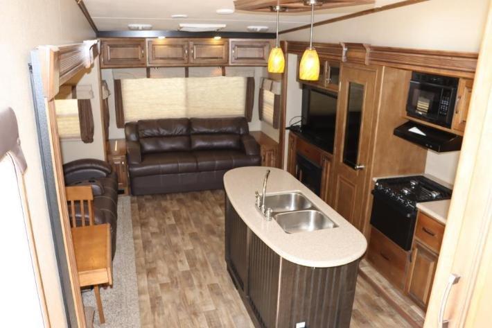 2015 Grand Design Reflection 337RLS 5th Wheel Camper