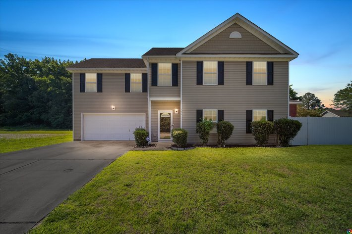 4 BR/2.5 BA Home Only 1.5 Miles From Oceanfront--Virginia Beach, VA