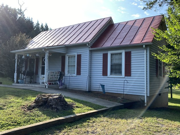 2 BR/1 BA Home on .5 +/- Acre Lot in the Heart of Orange County, VA