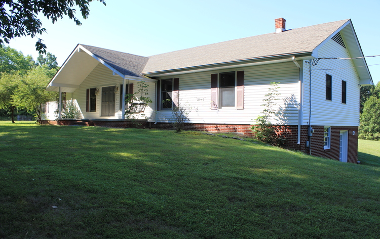 ABSOLUTE: 3BR/3BA on 21 Acres