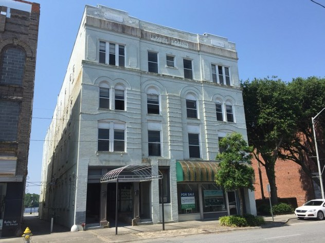AUCTION OF THE HISTORIC HOTEL LOUISE – WASHINGTON, NC