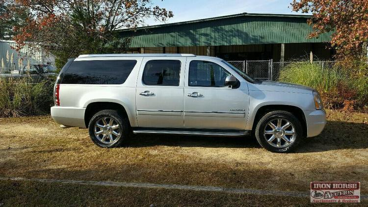 Christmas Consignment Vehicle Auction