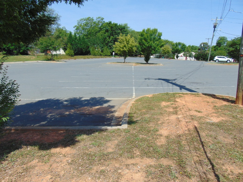 Commercial Building and Family Dollar Retail Lease in Norwood, NC