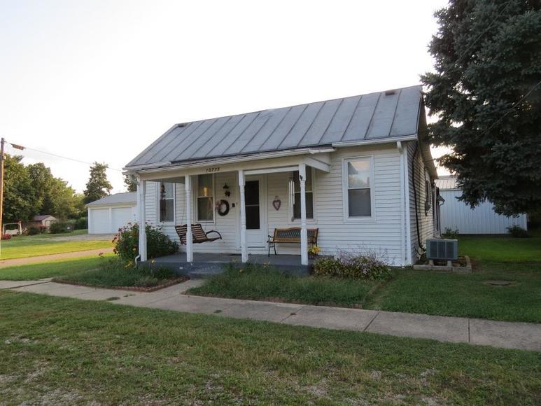 Home w/Garage in Clarksburg