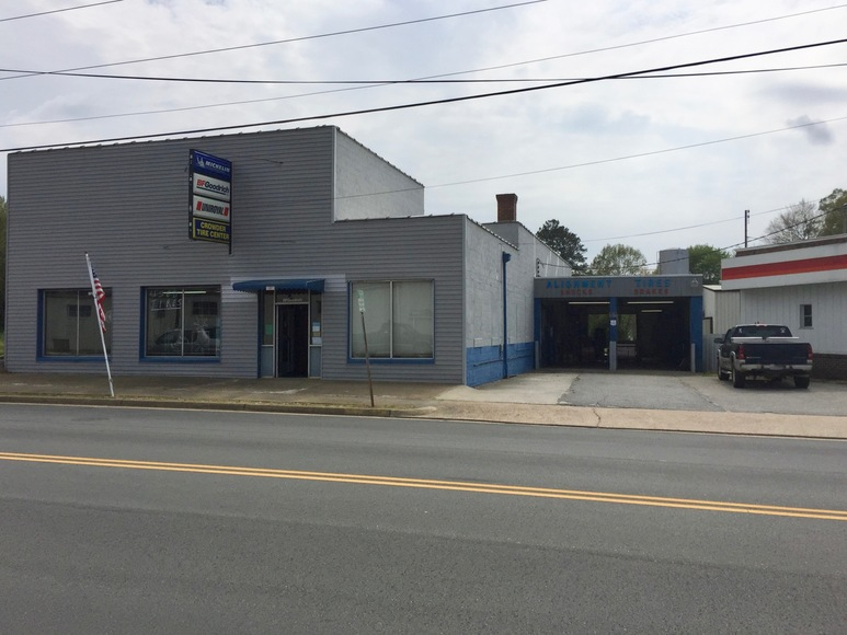 Featured Image for Commercial/Industrial Building on Main St. (Rt. 40) in Lunenburg County, VA--Sells to the Highest Bidder!!