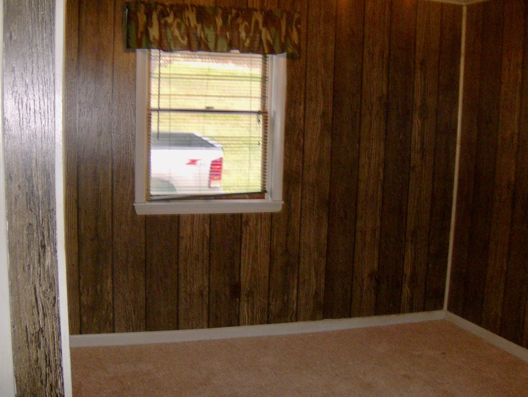 Featured Image for 2 BR/1 BA Home on 1+/-  Acre in Tazewell, VA---Sells to the Highest Bidder!!---ONLINE ONLY BIDDING