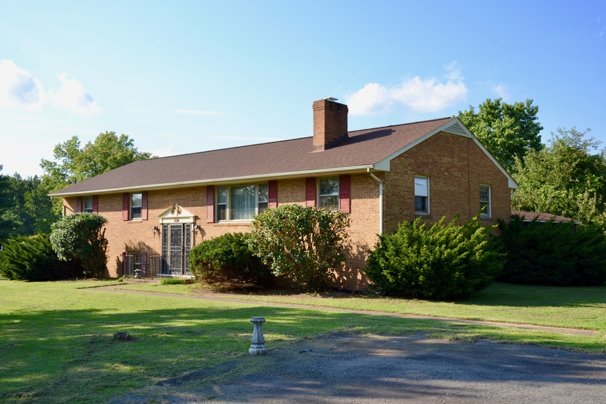 Featured Image for 5 BR/3 BA Home on 1.2 +/- Acres in South Stafford County, VA--Sells to the Highest Bidder!!