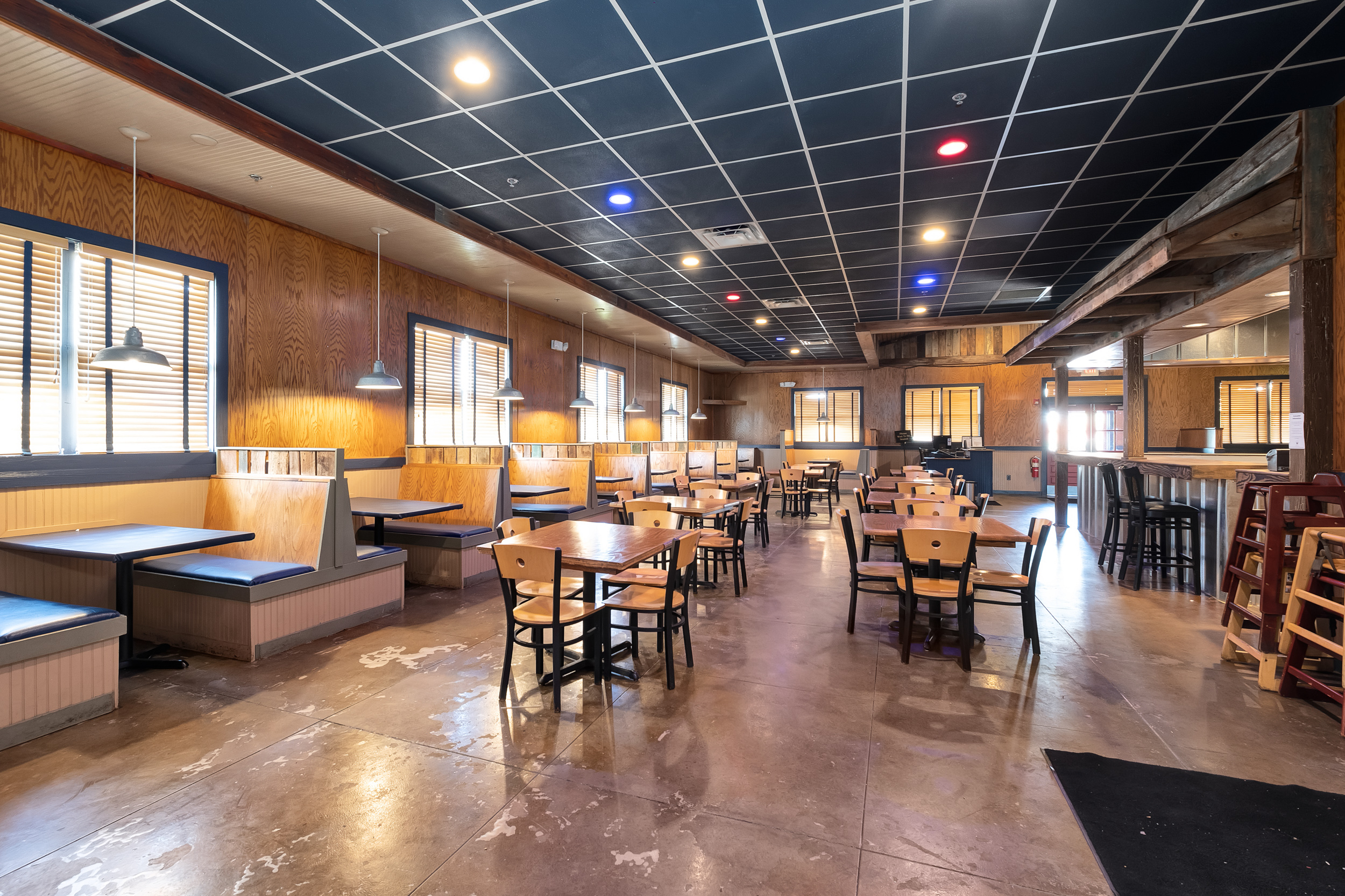 #1: Commercial Restaurant Property With 4,860± SF In Bessemer, AL