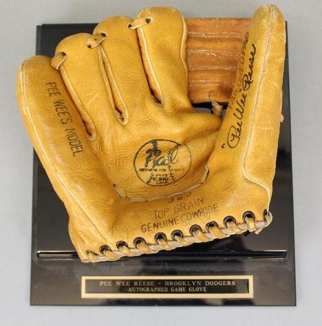 Gallery Auction with Tools and Sports Memorabilia: 11-29-18