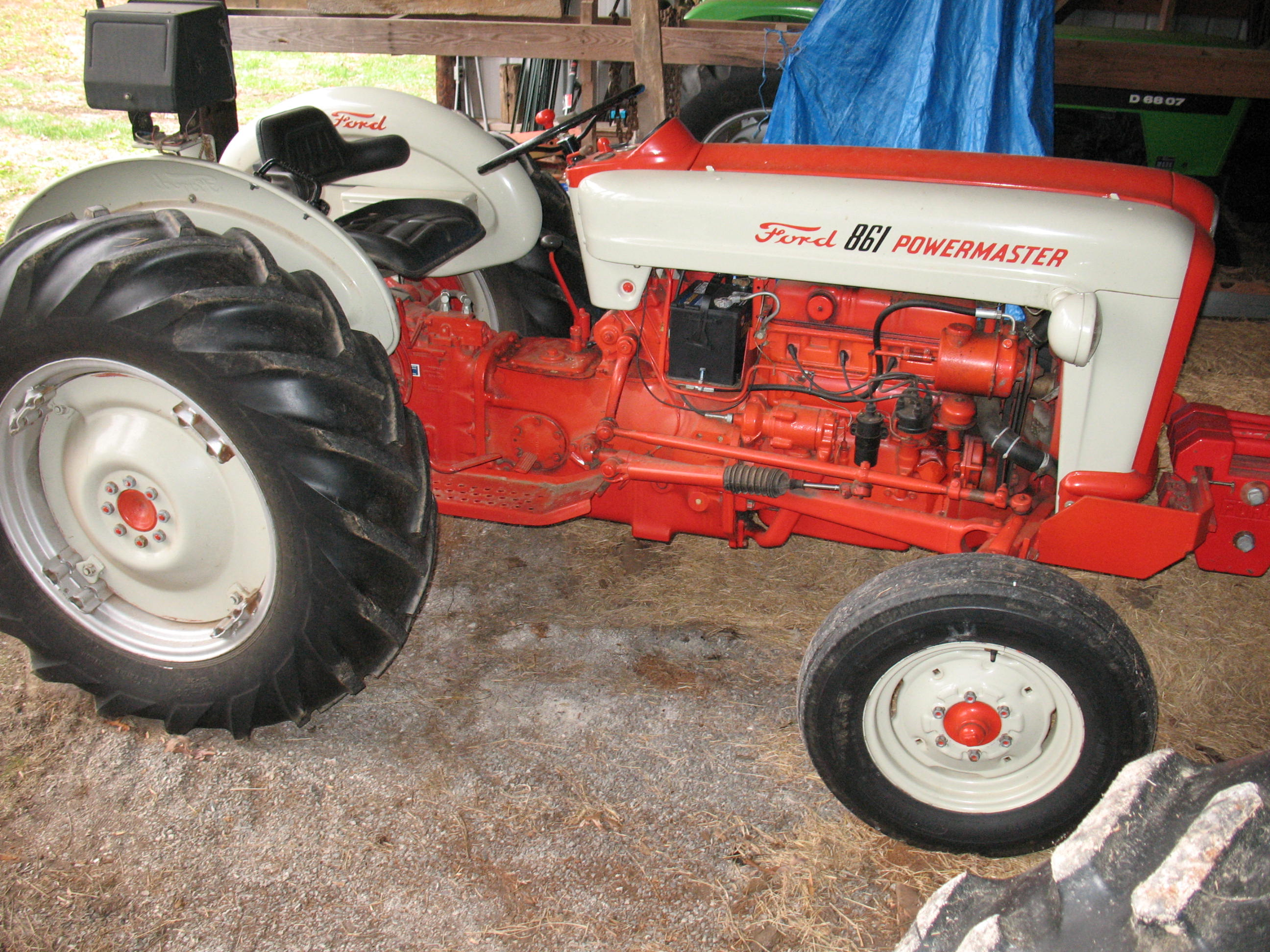 Collector Tractor & Farm Machinery Auction | Rogers Auction Group