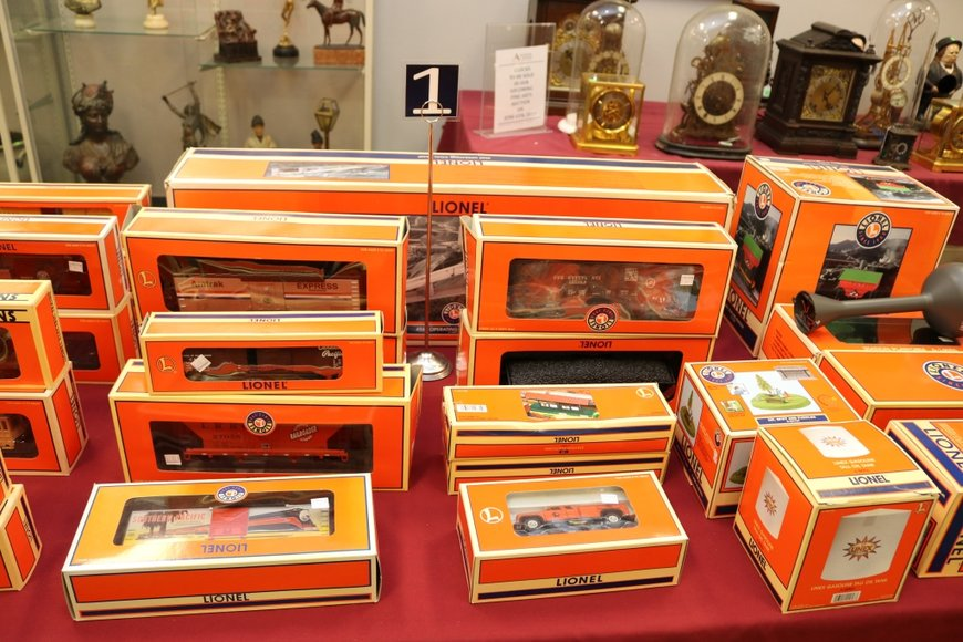 Lionel Trains and Accessories - Offline Lots: 5-16-19
