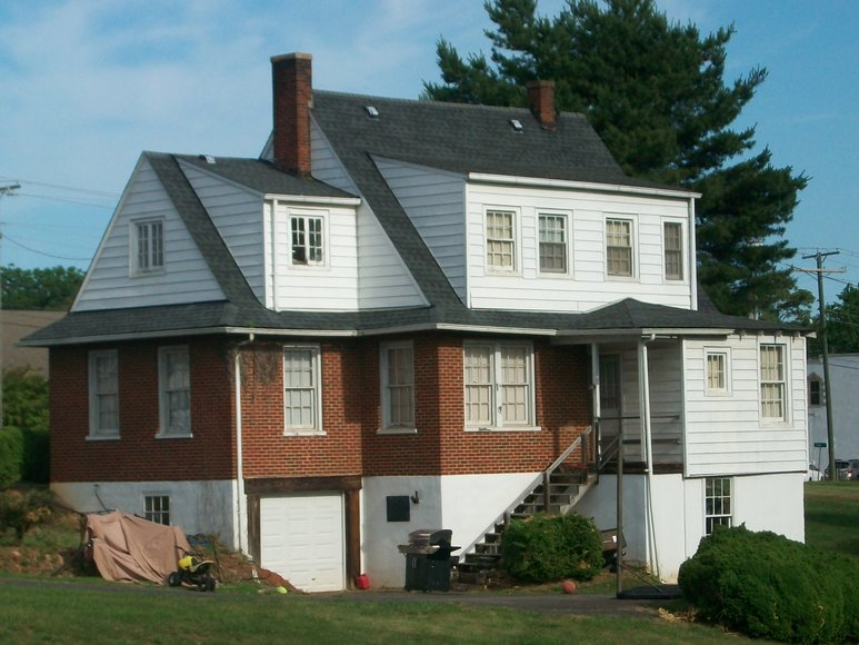 Image for REAL ESTATE AUCTION: 2 Properties (Madison Heights, VA)