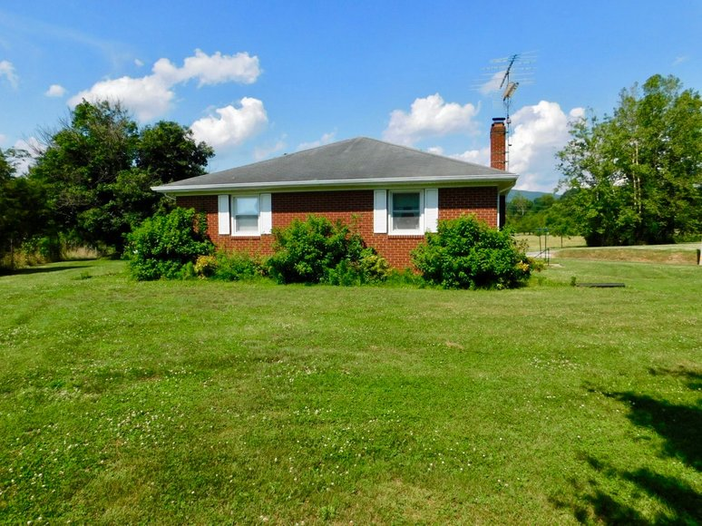 Image for Well Built 2 BR Brick Home w/Full Basement & Large Workshop on .84 +/- Acre Lot---SELLS to the HIGHEST BIDDER!!
