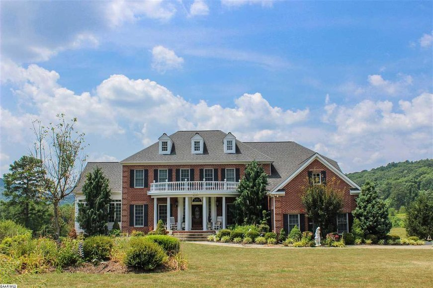 Image for Stately 5 BR/5.5 BA Home on 3.5 +/- Acres in Albemarle County, VA and 20 +/- Wooded Acres w/Large Pond in Albemarle County, VA--SELLING to the HIGHEST BIDDER!!
