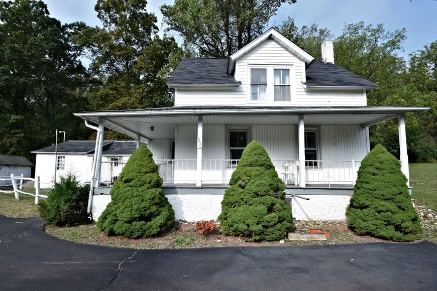 Real Estate Auction - 950 Allentown Road, Green Lane, PA: 10-23-19