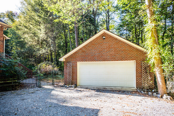 Image for Well Built 5 BR/3.5 BA Brick Home on 4.9 +/- Acres in Desirable