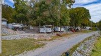 Lake Barkley Marina Auction: Moon River