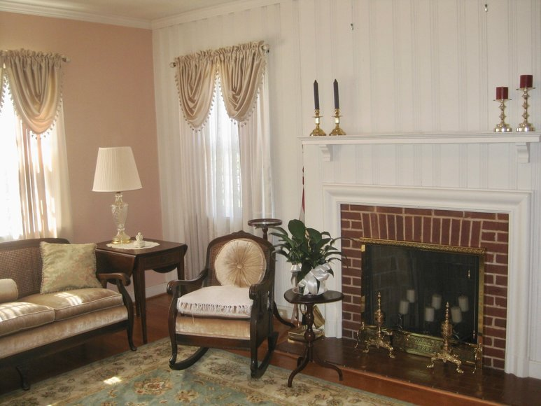Image for Move-In Ready 3 BR/2.5 BA Brick Home on Main Street Lawrenceville, VA--Sells to the Highest Bidder!!