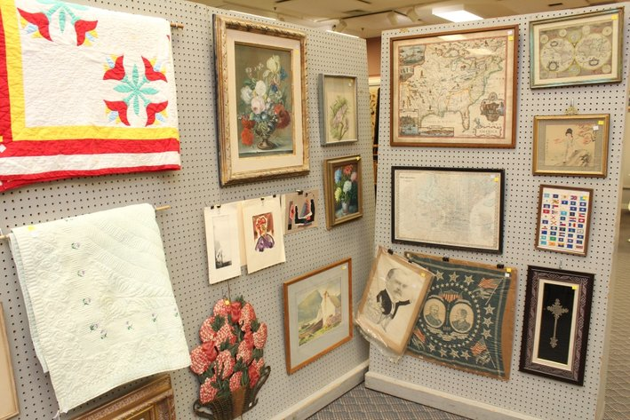 Gallery Auction with Sports Memorabilia | January 2 at 9:00 AM