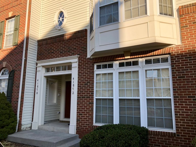 Image for  3 BR/2.5 BA Townhome Style Condo in Kirkpatrick Farms--Loudoun County, VA   ONLINE ONLY BIDDING!!