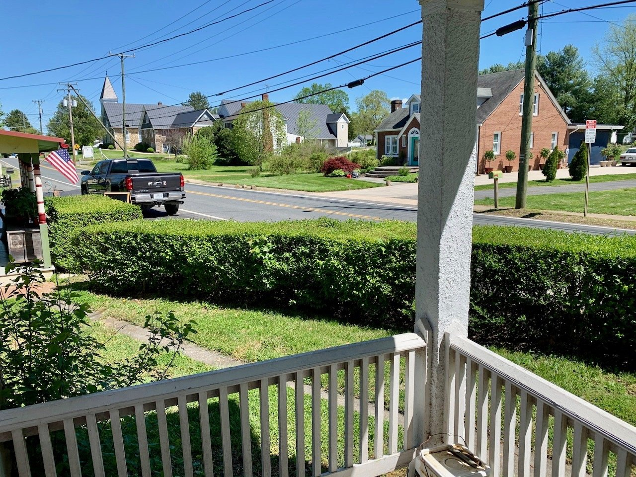 Image for 3 BR/1.5 BA Home on .35 +/- Acre Lot in the Town of Hamilton, VA--SELLS to the HIGHEST BIDDER!!