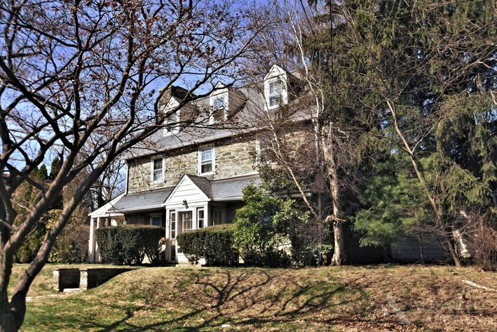 Real Estate Private Showing - By Appointment Only | 1444 Wheatsheaf Lane, Abington, PA 19001