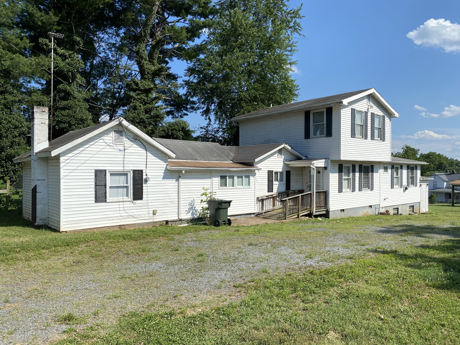 Image for 3 Investment Homes on .5 Acres Only 1/2 Mile from Main St. in Culpeper, VA--SELLS to the HIGHEST BIDDER!!