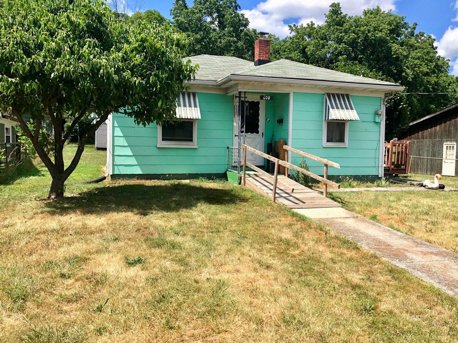 Image for 2 BR/1 BA Home in Harrisonburg, VA, Only 2 Miles From James Madison Univeristy--SELLS to the HIGHEST BIDDER!!