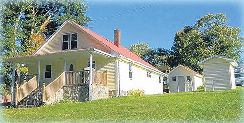 GENTLEMAN'S FARM - HOME, BUILDING & 5.6 ACRES +/-