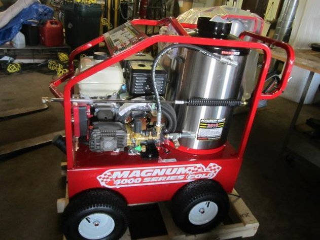 HERMANTOWN ONLINE AUCTIONS: NEW 2019 EASY-KLEEN MAGNUM GOLD 4000 HOT WATER PRESSURE WASHER ONLINE AUCTION  - CLOSED!