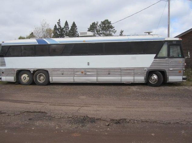 HERMANTOWN ONLINE AUCTIONS: QUALITY BUILT GREYHOUND STAINLESS STEEL RV COACH BUS ONLINE AUCTION - CLOSED!